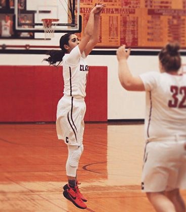 Riley Denton commits to WVC Women's Basketball